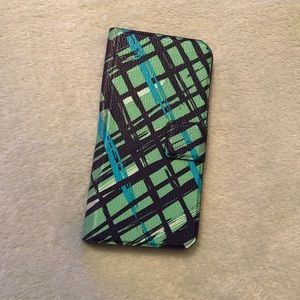 Vera Bradley iPhone 6 case with card slots